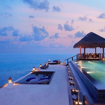 Piscina com borda infinita Taj Exotica, Maldives